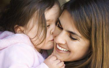 Mamma med sitt barn