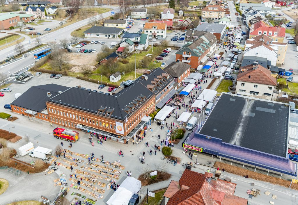 Flygfoto över Storgatan i Tranemo