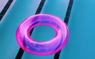 Badring i en pool